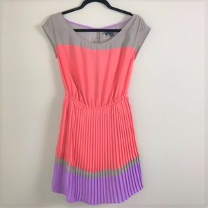 American Eagle Open back Pleated dress Sz XS